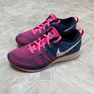 Nike Flyknit Trainer White Pink Flash Shoes EUC